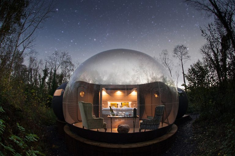 Finn-Lough-Bubble-Hotel-Irland