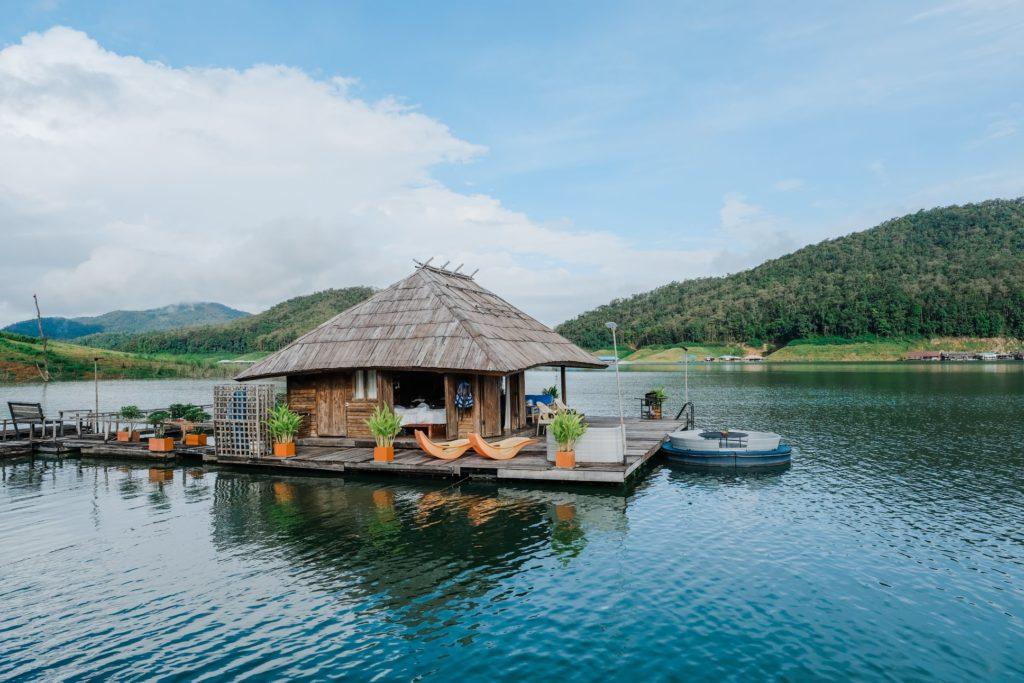 Mountain Floiat Chiang Mai Wasserbungalow