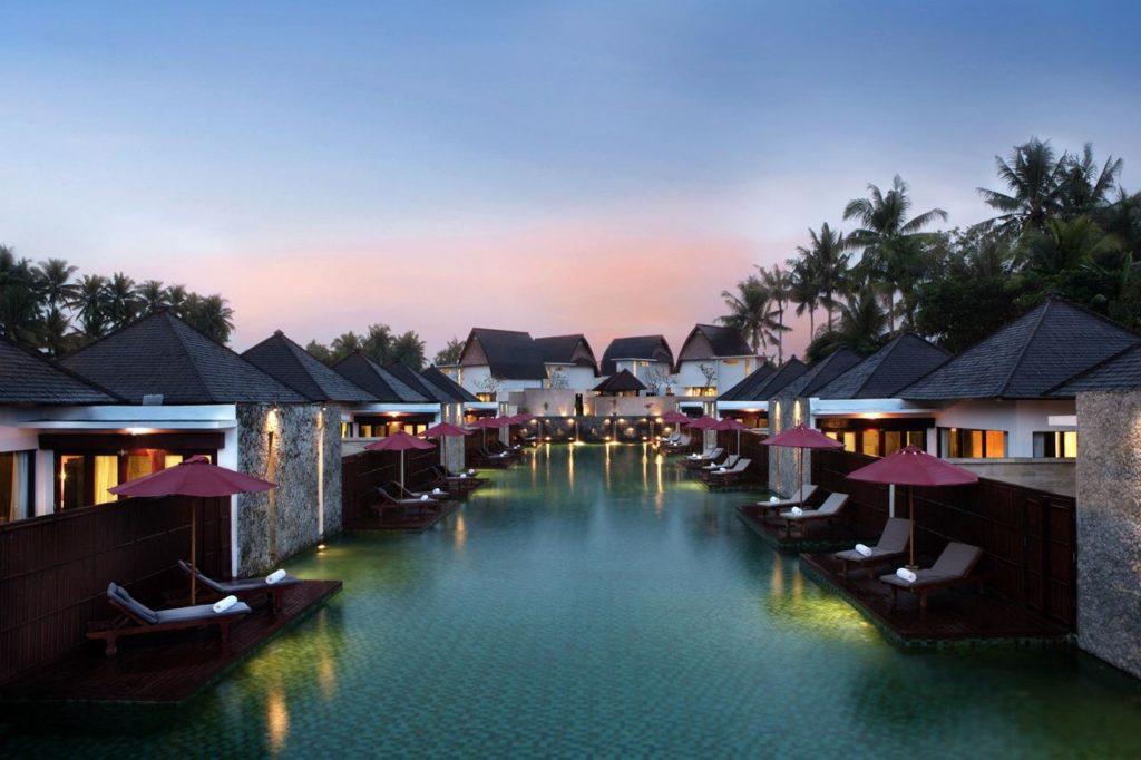 Wasserbungalows auf Bali