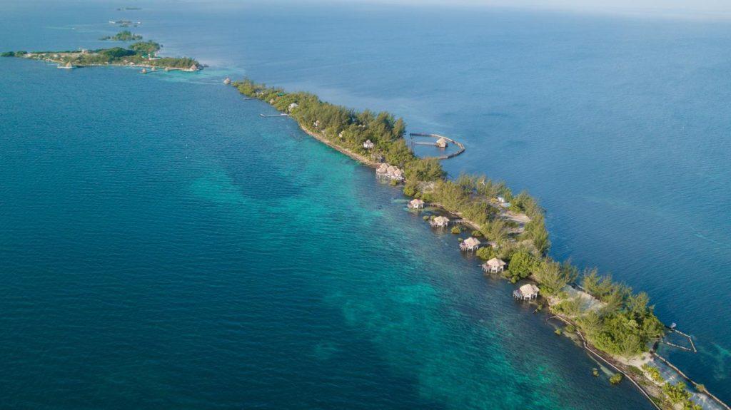 Wasserbungalows in der Karibik